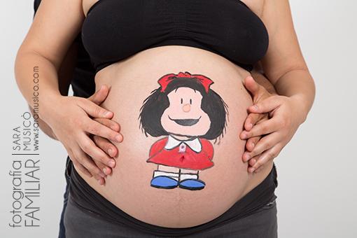 fotos-de-embarazada-en-estudio-book-premama-con-mascota-Mafalda_20160521_015
