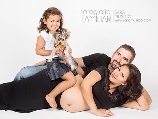 reportajes-de- embarazadas-fotos-hermanos-mayores-fotografia-de-mascotas